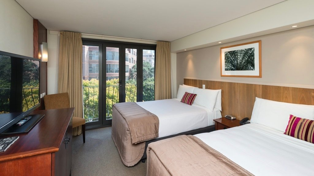 Copthorne 4 star hotel room in Auckland CBD suitable for Families with two double beds