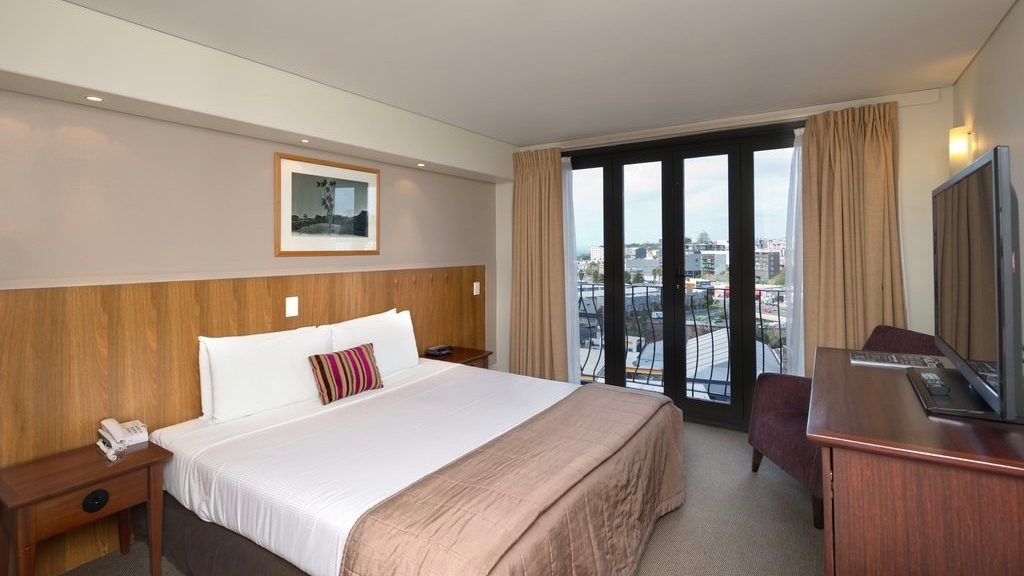 Copthorne 4 star hotel room in Auckland CBD f