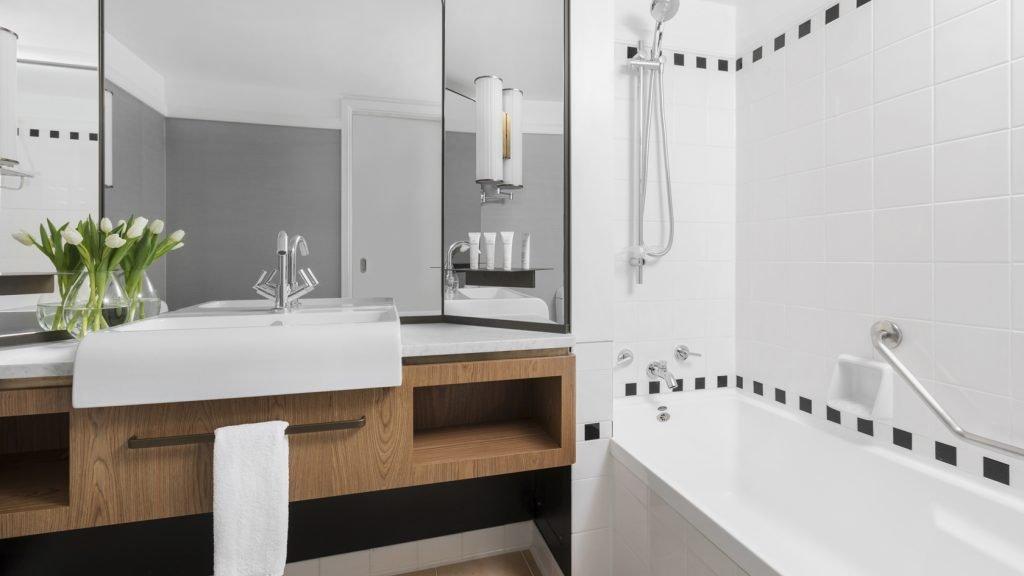 5 star Cordis Auckland Hotel Bathroom