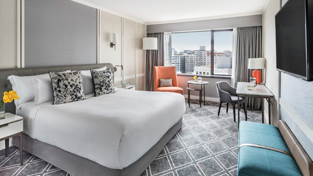 5 star Cordis Hotel Auckland Room with huge comfortable bed.