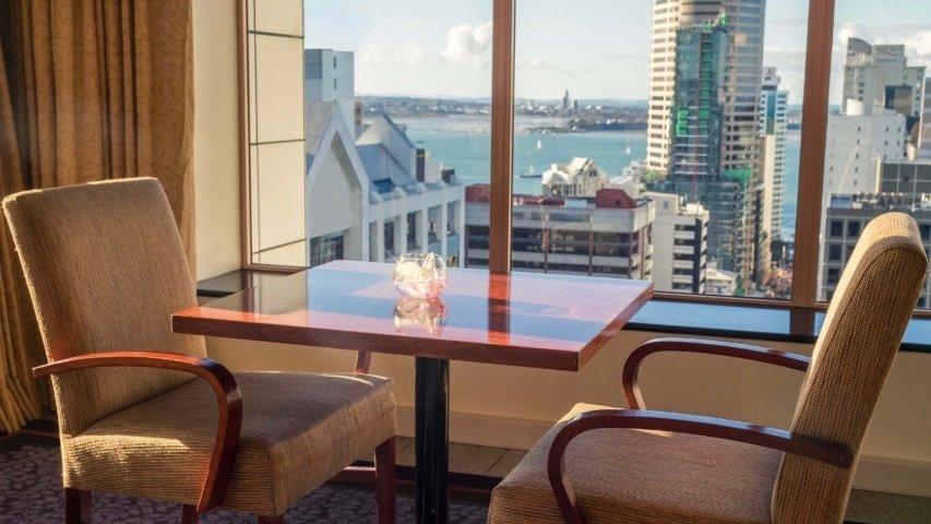5 star Crowne Plaza Hotel Auckland club lounge