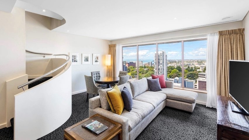 5 star Crowne Plaza Hotel Auckland executive suite