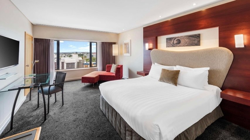 5 star Crowne Plaza Hotel Auckland room
