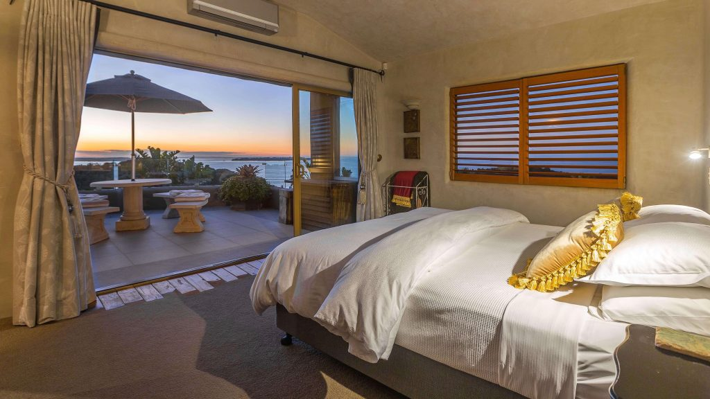 Delamore Lodge Hotel Apartment bedroom