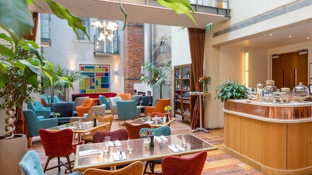 5 star boutique Hotel DeBrett restaurant