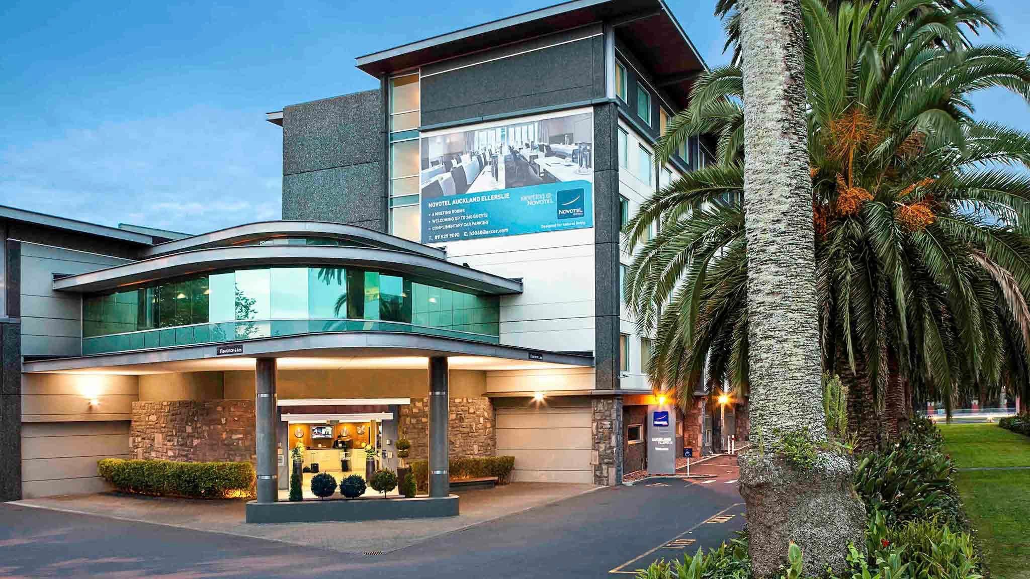 IBIS Auckland Ellerslie Hotel exterior, cheap 3 star hotel for business or families