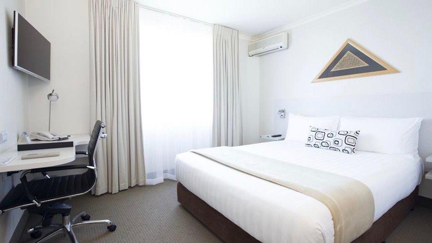Jet Park Auckland Airport Hotel Queen Room