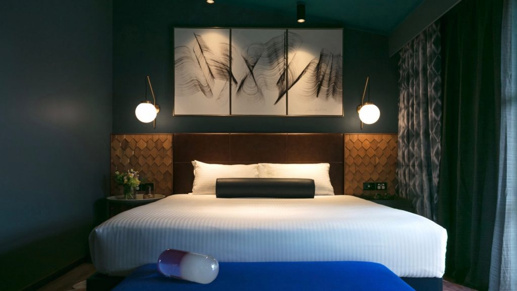 luxurious 5 star hotel room at Naumi Hotel Auckland Airport
