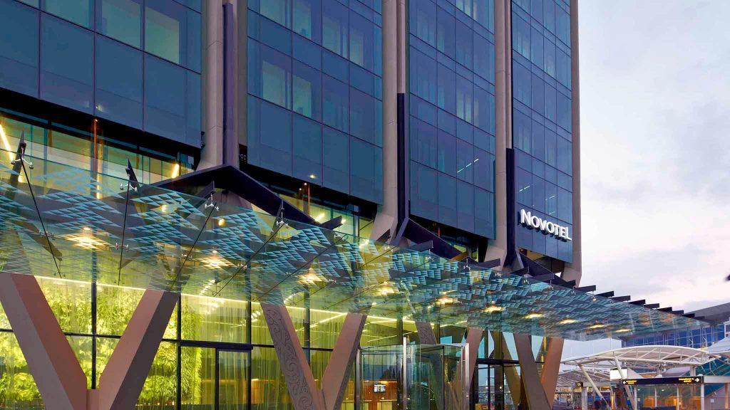 4 star Novotel Auckland Airport Hotel Entrance