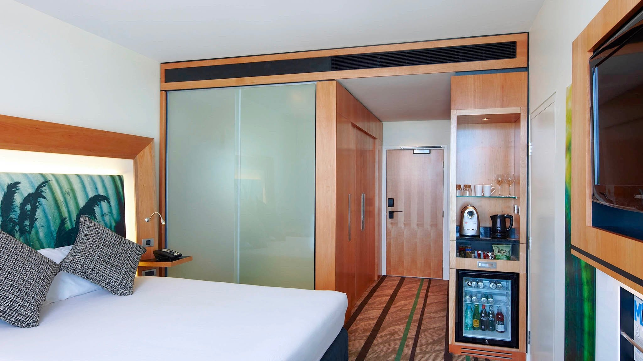 4 star Novotel Auckland Airport Hotel Room