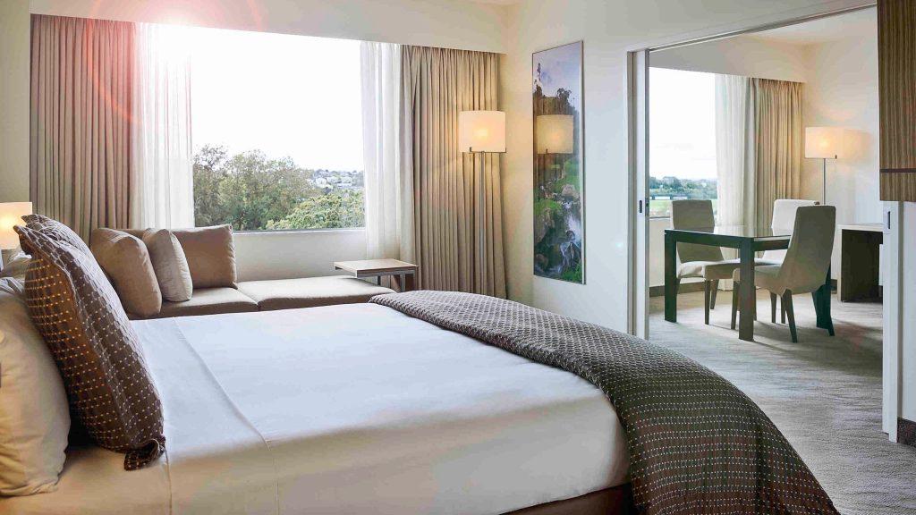 4 star business hotel suite Novotel Auckland Ellerslie