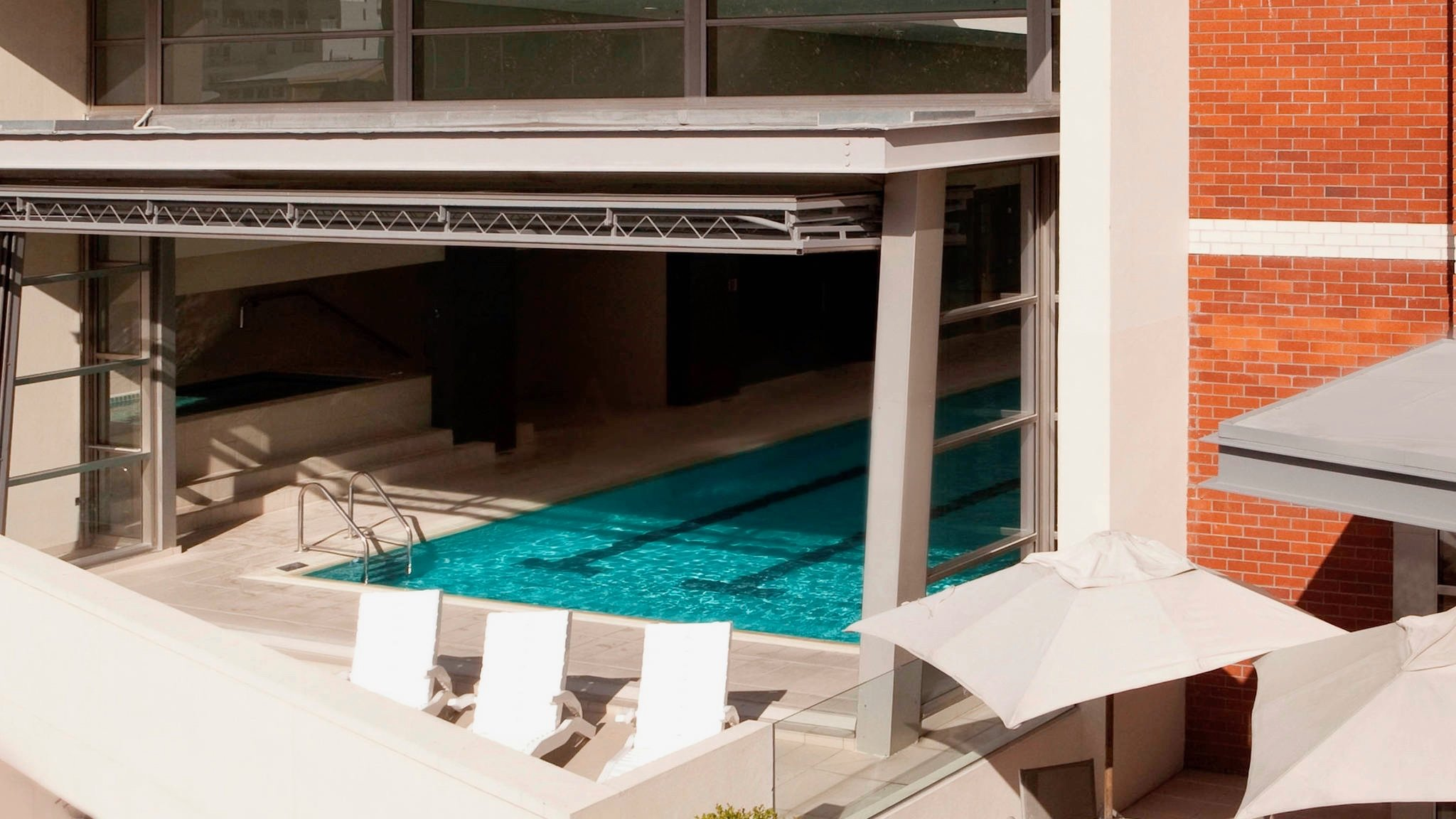 Incredible hotel pool at Pullman Hotel in Auckland CBD