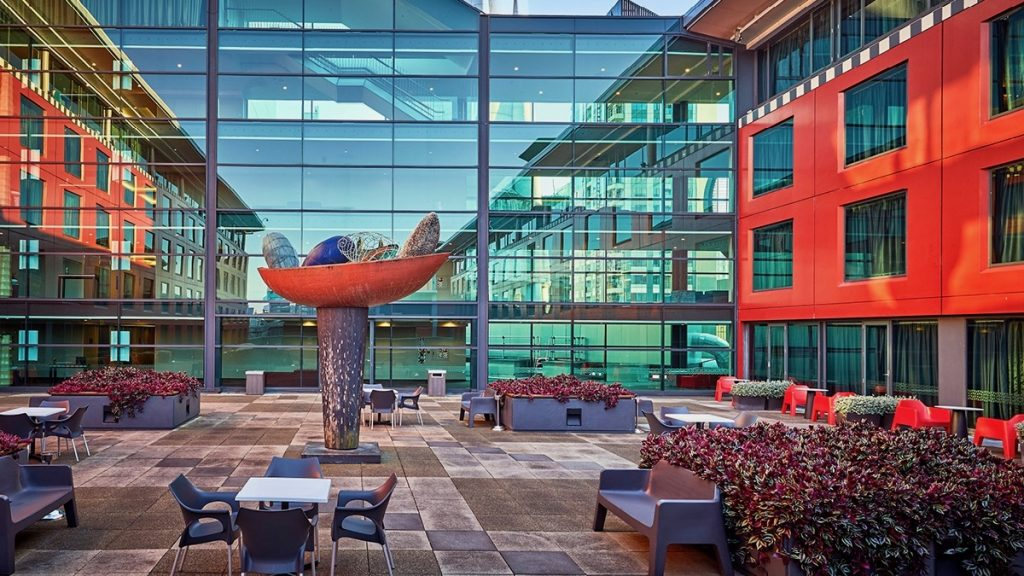 Skycity Hotel Courtyard