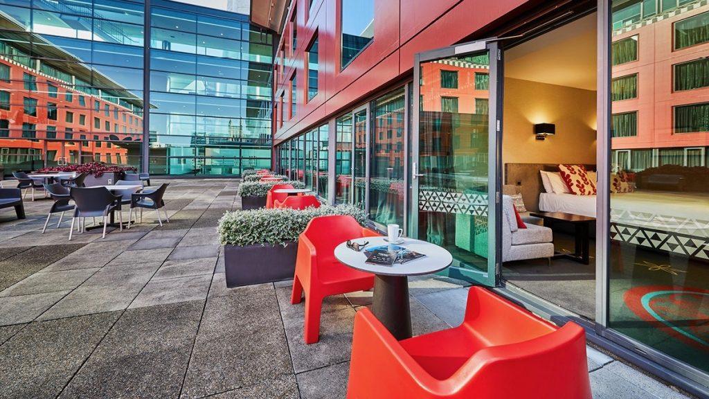 Skycity Hotel Courtyard room 2