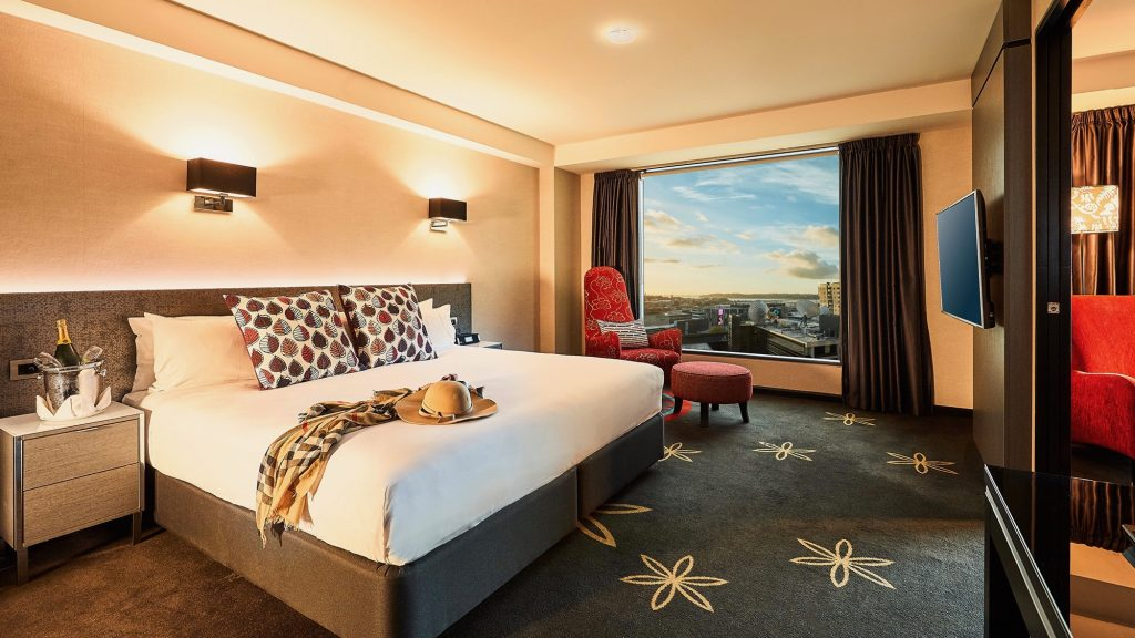 Skycity Hotel Suite 4 star hotel Auckland for business, couples and families
