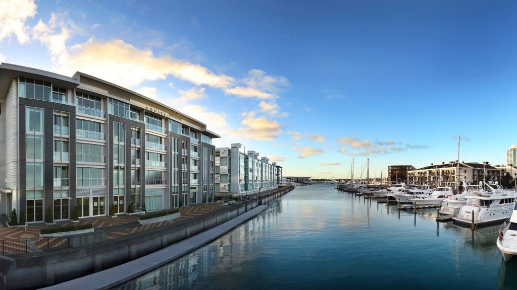 Evening at the 5 star Sofitel Auckland Viaduct Harbour Hotel in Auckland's CBD