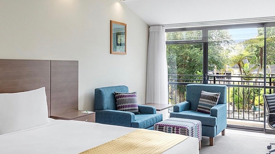 4 star Family hotel room at Holiday Inn Auckland Airport