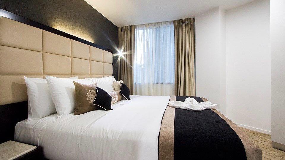 3 star VR Hotel Queen street bedroom suite