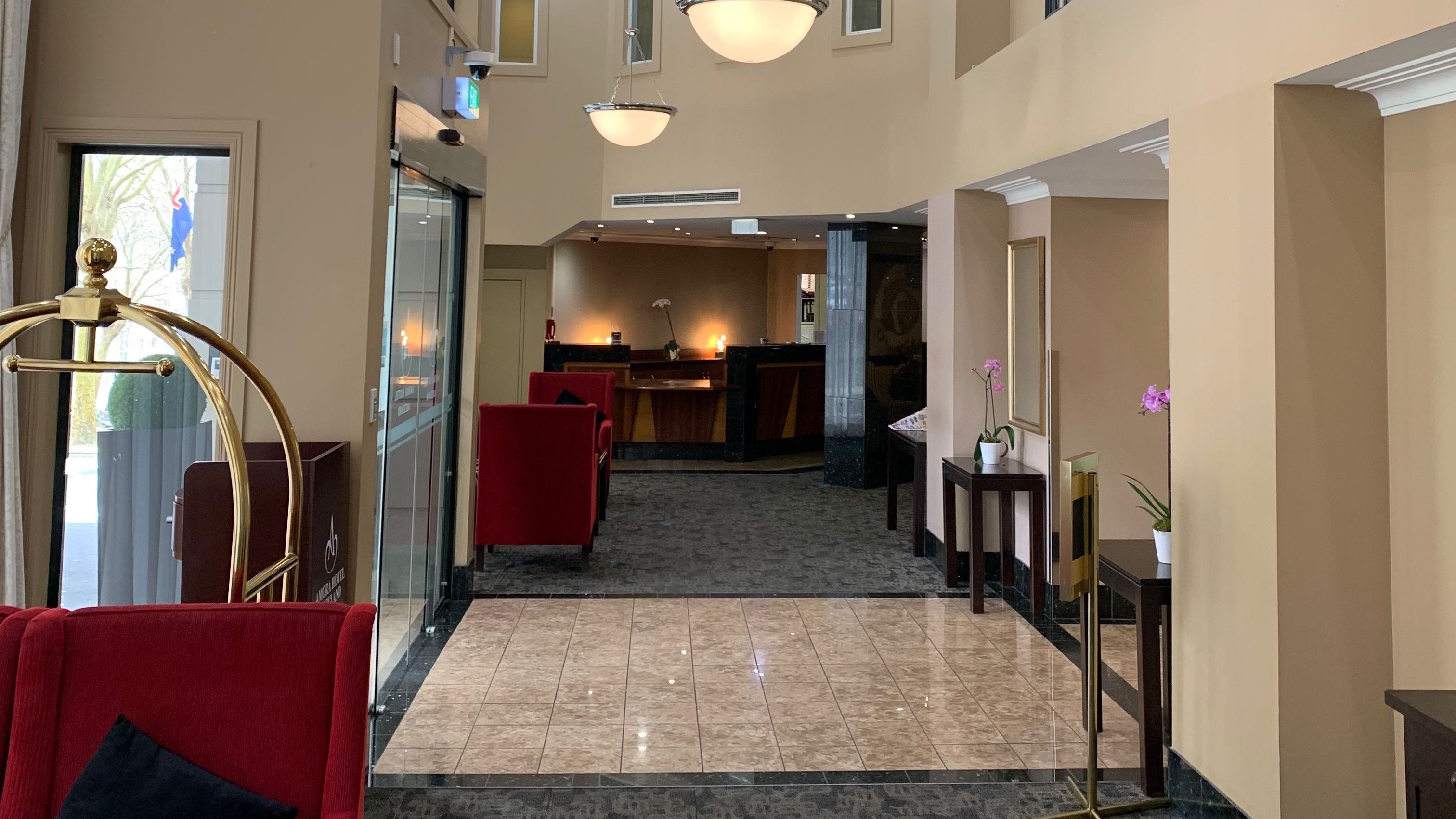 Amora Hotel Auckland lobby