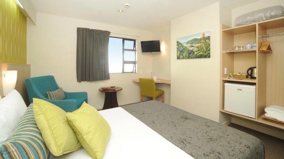 Quality Inn Lincoln Green Standard Room