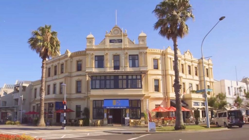 The Esplanade boutique hotel in Devonport