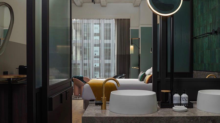 QT Hotel Auckland Room