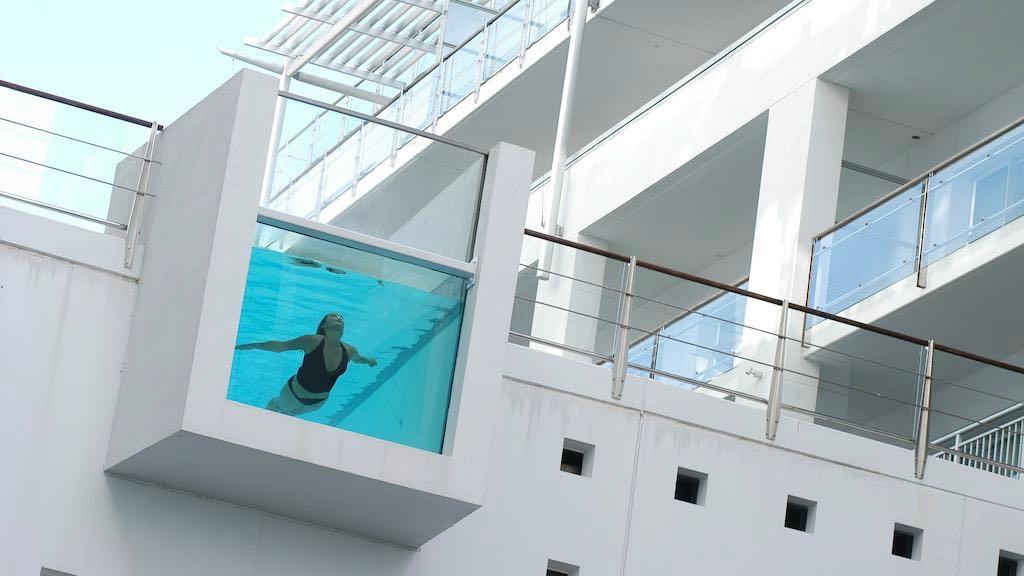 Hilton Auckland Pool