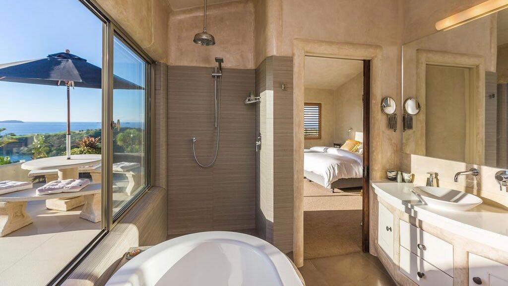 Delamore Lodge Bathtub