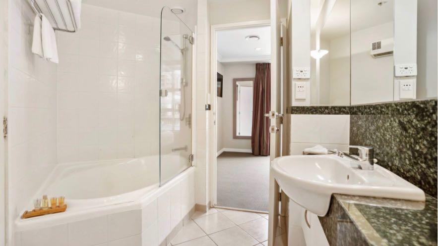 Parkside Hotel Double Spa Bath