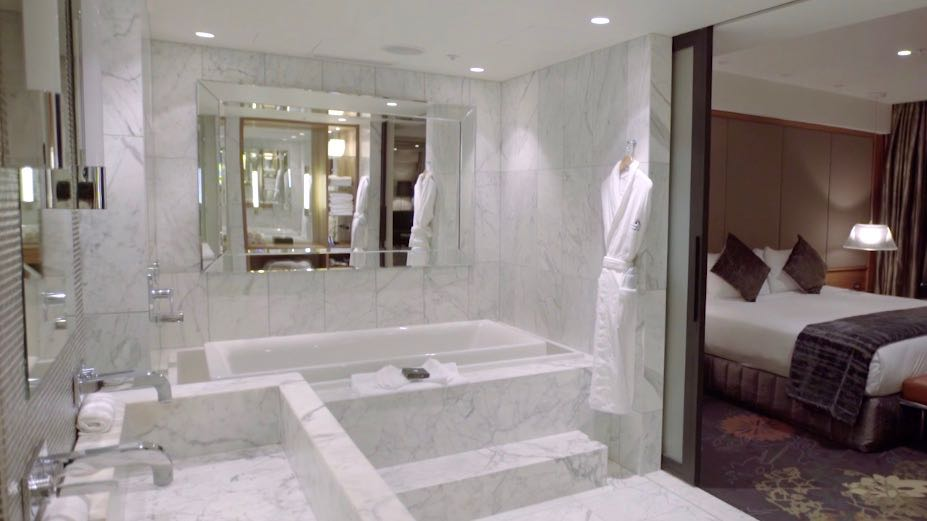 The Grand Hotel Auckland Spa Bath